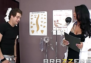 Doctors Adventure - Abusive doctor (Jessica Jaymes) Appropriate The Stethoscope And Fucks - Brazzers