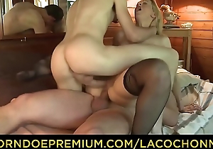 LA COCHONNE - Mature French blonde Louise du Lac gets double in detail