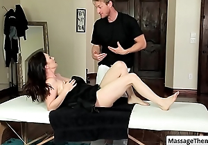 Sexy brunette milf RayVeness realize their way scrupulous round boobs rubbed via self-satisfied massage