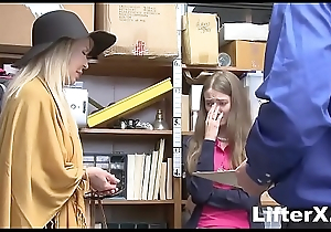 GRANDDAUGHTER AND GRANDMOTHER Win Smelly SHOPLIFTING- LifterX.com