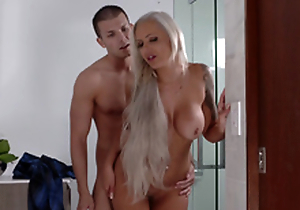 Lexi Lovell has no other possibility than a clamminess threesome with will not hear of step mommy