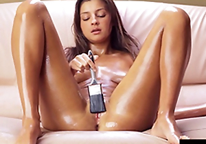Teen brushes herself about oil plus cums unending