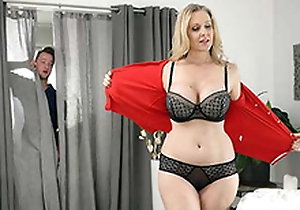 Snowy jerking elsewhere to mom's Julia Ann porno
