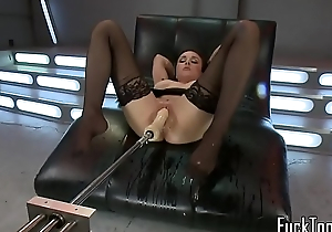 Curvy MILF squirts while machine fucked