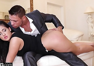Coco De Mal cums hardest when she gets double penetrated