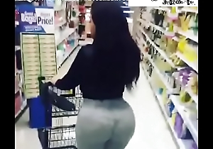Play Her Station Ent. Hawt Big Booty Latin babe Walking Roughly Supermarket